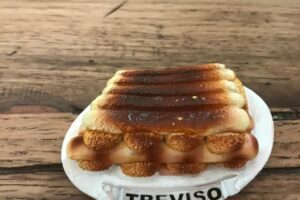 tiramisu fridge magnet 3d