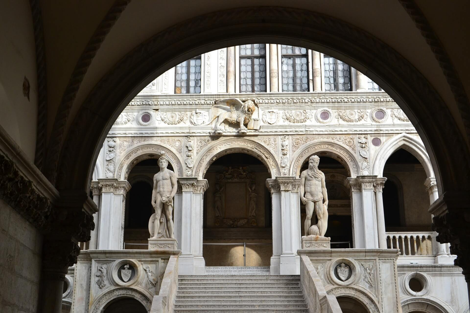 tour of the doges palace