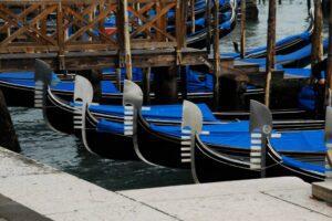 venice gondola parking