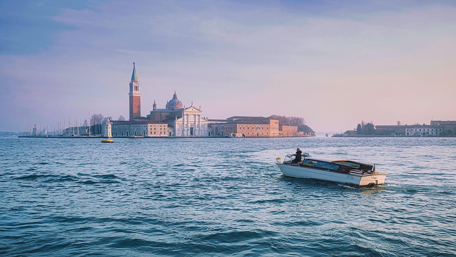 venice private boat ride