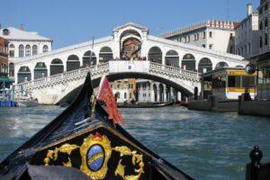 venice rialto with gondola